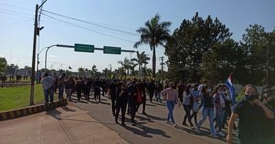 La Nación / PJC exige reapertura de frontera como en CDE