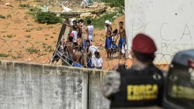 Un grupo de presos con COVID-19 huye por un túnel de una cárcel de Brasil