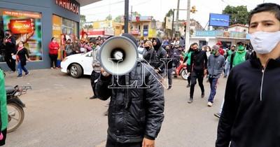 """La Nación / CDE: """"Esto va a ser un descontrol total"""", lamentó doctora"""