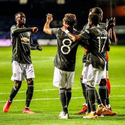 Manchester United supera tercera ronda de la Copa de la Liga