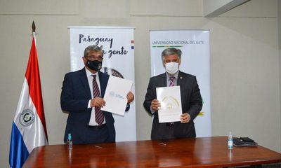 SENAD y UNE firman convenio para extensión universitaria