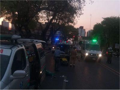 Albañil cayó a un pozo y ambulancia que lo trasladaba sufrió accidente