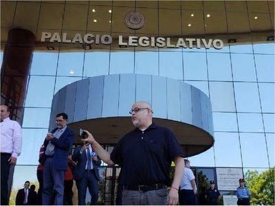 Paraguayo Cubas está internado en Terapia Intermedia