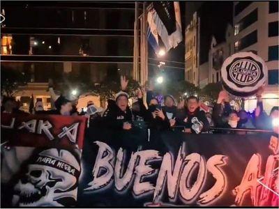 Gran recibimiento a Olimpia en Buenos Aires