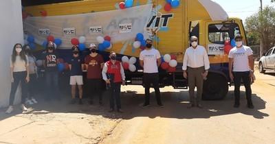 La Nación / Ex alumnos entregaron 105.000 k de víveres para comunidades