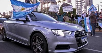 La Nación / Récord diario de muertes en Argentina en seis meses