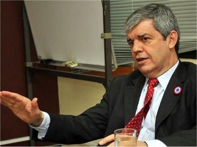 Riera presiona a Ríos sobre la expulsión de Friedmann
