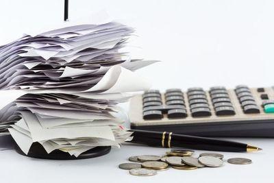 Estiman menor caída de ingresos tributarios, tras mejora en recaudaciones mensuales