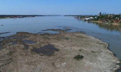 Casi todo el cauce del Río Paraguay está perdiendo altura · Radio Monumental 1080 AM