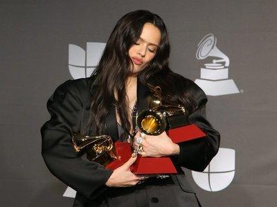 Rolling Stone incluye a Rosalía y Bad Bunny en lista de mejores discos