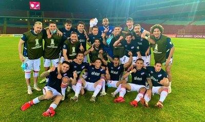 Miguel Jacquet debutó y Nacional arrasa en la Libertadores