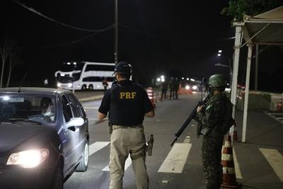 Militares mantienen estrictos controles en Foz de Yguazú