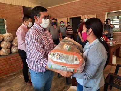 Distribuyen 6.153 kits de alimentos en escuelas