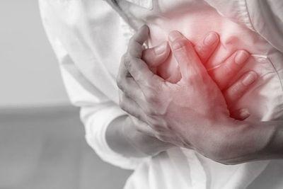 Retomar la actividad sexual meses después de un infarto sería positivo