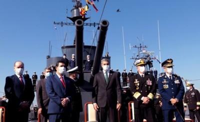 Presidente encabezó festejos por el Día de la Armada Paraguaya