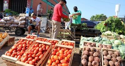 La Nación / Comerciantes piden que mercado de Abasto abra sus puertas los domingos
