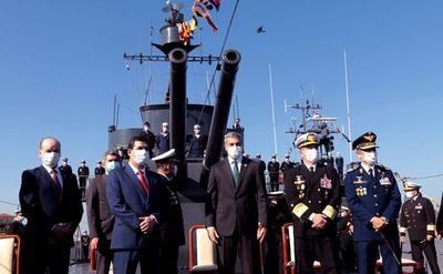 Mario Abdo encabezó actos por el Día de la Armada Paraguaya