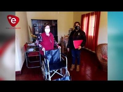 ENTREGAN SILLAS DE RUEDAS A BENEFICIARIOS DE LA GOBERNACIÓN DE ITAPÚA