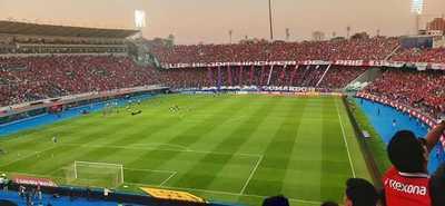 APF analiza admitir una mínima cantidad de espectadores en los estadios, para el Clausura