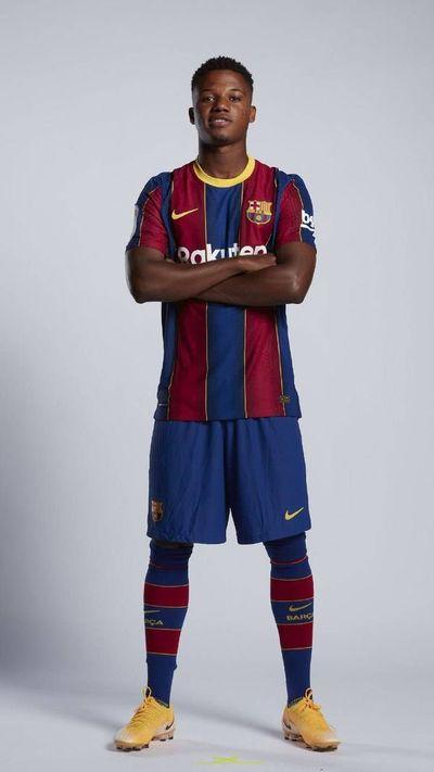 Ansu Fati ya tiene contrato del primer equipo
