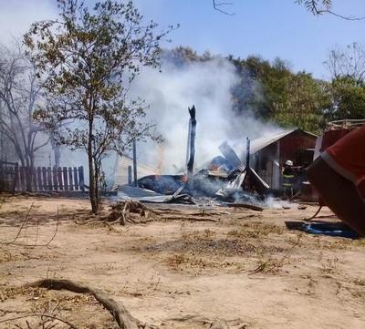 Incendio consumió una vivienda en San José de los Arroyos – Prensa 5