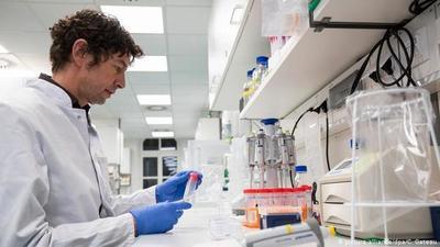 """Capo virólogo alemán: """"La pandemia apenas está comenzando"""""""