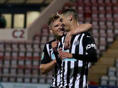 Almirón asiste y marca en goleada del Newcastle