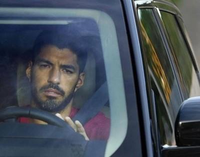 Luis Suárez, entre lágrimas, deja el Barcelona