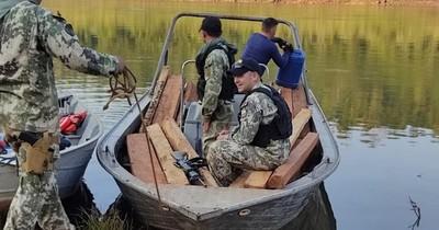 La Nación / Incautan maderas nativas a orillas del río Paraná en Puerto Irala