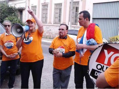 Fiscalía pide juicio a Esther Roa y otros por violación de cuarentena