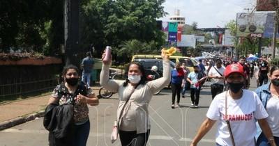 La Nación / Reapertura de frontera: Gobierno quiere equilibrar lo económico con lo sanitario