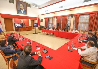 Autoridades de la ANR analizan modificación del estatuto y fecha de nueva convención