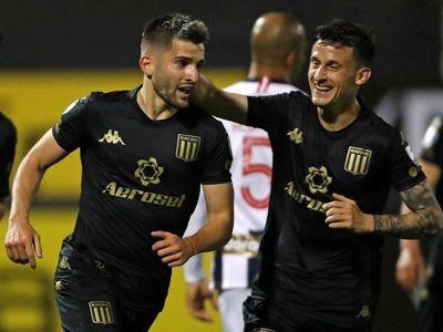 Racing se impone en Lima y deja a Alianza en el sótano del Grupo F