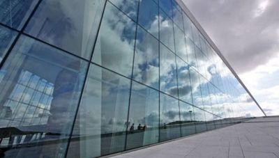 El vidrio pasó de ser un complemento a convertirse en un elemento fundamental en la arquitectura moderna