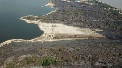 Quemas para ocupación serían el motivo de recurrentes incendios que arrasan más de 100 has. en la bahía de Asunción
