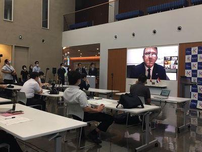 Entregan satélite paraguayo a la Agencia Espacial de Japón