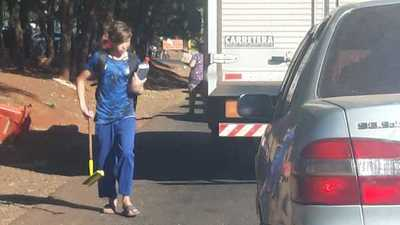 Quieren prohibir presencia de limpiavidrios en calles de Ciudad del Este con ordenanza