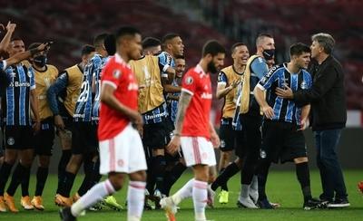 HOY / Gremio se impone en el clásico de Porto Alegre