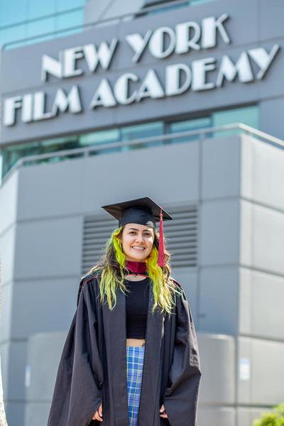 Franqueña se gradúa con honores en la New York Film Academy