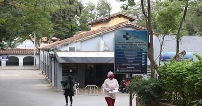 La Nación / Ineram: renuncian profesionales de blanco y sigue alta ocupación de camas de terapia