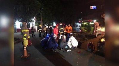 Vehículo realizó giro imprudente y dejó a un joven delivery gravemente herido