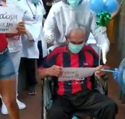 Abuelito de 77 años superó al covid-19 y agradeció emocionado por los cuidados