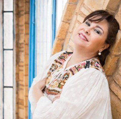 "Lizza Bogado reitera denuncia a empresa estadounidense por uso sin autorización de su canción ""Un solo Canto"""