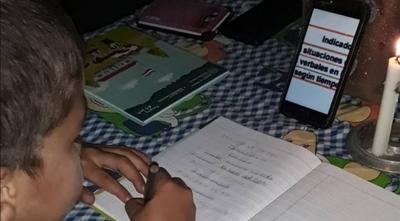HOY / Clases virtuales: alumnos venden sus gallinas para comprar saldo