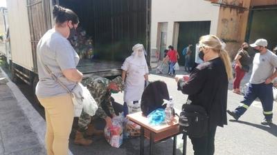 HOY / Octava entrega de kits de almuerzo escolar a colegios capitalinos