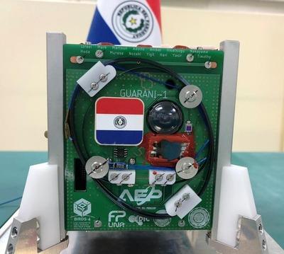 """Guaranisat-1, el primer satélite """"auténticamente paraguayo"""" presentado en Japón"""