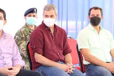 Abdo afirma que hasta ahora no hay un solo paraguayo con COVID que haya necesitado terapia intensiva y no haya tenido