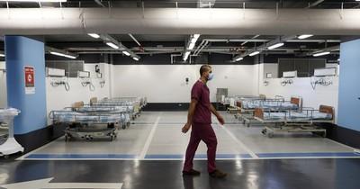 La Nación / Israel: hospital desbordado instala camas en estacionamiento