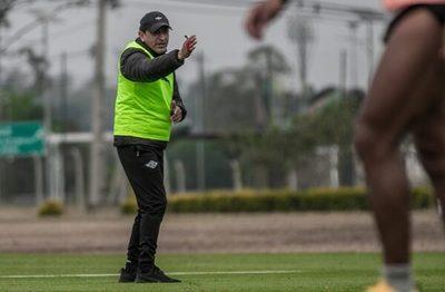 Oficial: Ramón Díaz ya no es técnico de Libertad