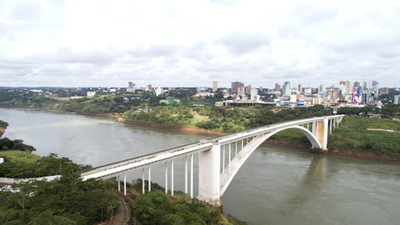 """La reapertura del Puente """"no garantiza un mayor crecimiento"""" en la zona, afirma economista"""
